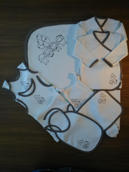Boy-Girl with Baloons- Newborn BabyBoy and Girl Set- 10Pcs Set